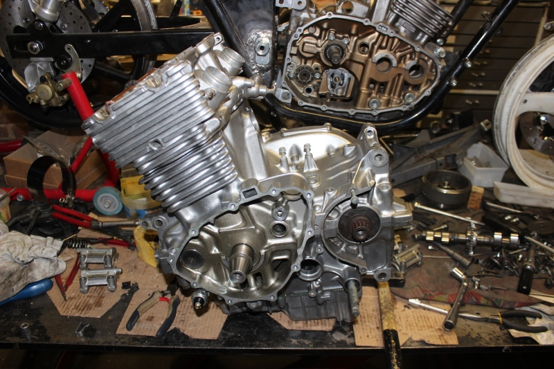 Montage de deux 500 CB pour la Vitesse en Moto Ancienne - Page 5 Ph10_i18