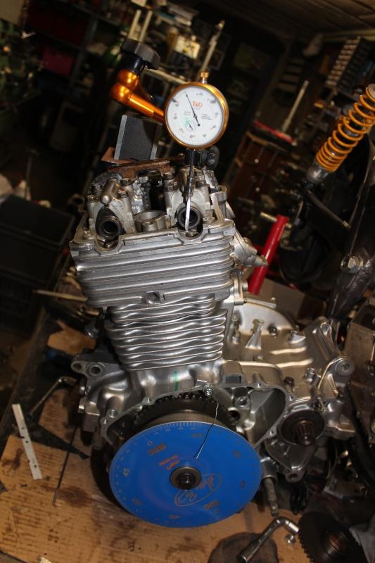 Montage de deux 500 CB pour la Vitesse en Moto Ancienne - Page 5 Ph11_i18