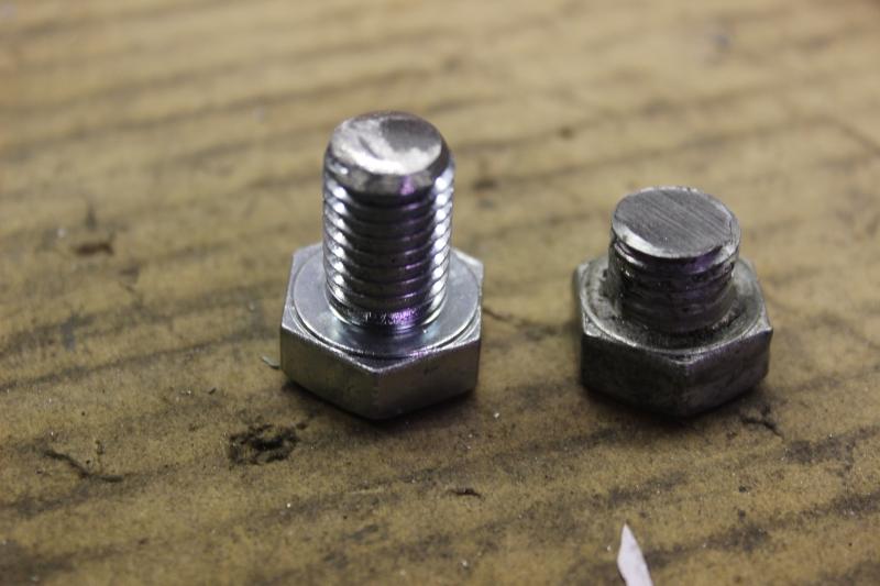 Réparation d'un bouchon de vidange cassé. Ph11_i36