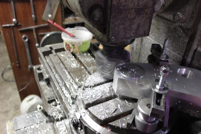 Tés de fourche taillés dans la masse Ph19_i21