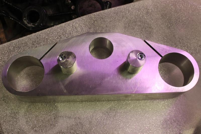 Tés de fourche taillés dans la masse Ph31_i11