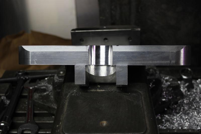 Tés de fourche taillés dans la masse Ph44_i11