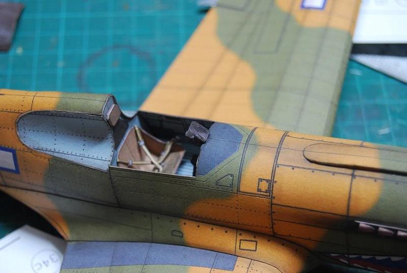 Curtiss P-40 Warhawk (l'échelle à peu pres de 1/25)  Cur310