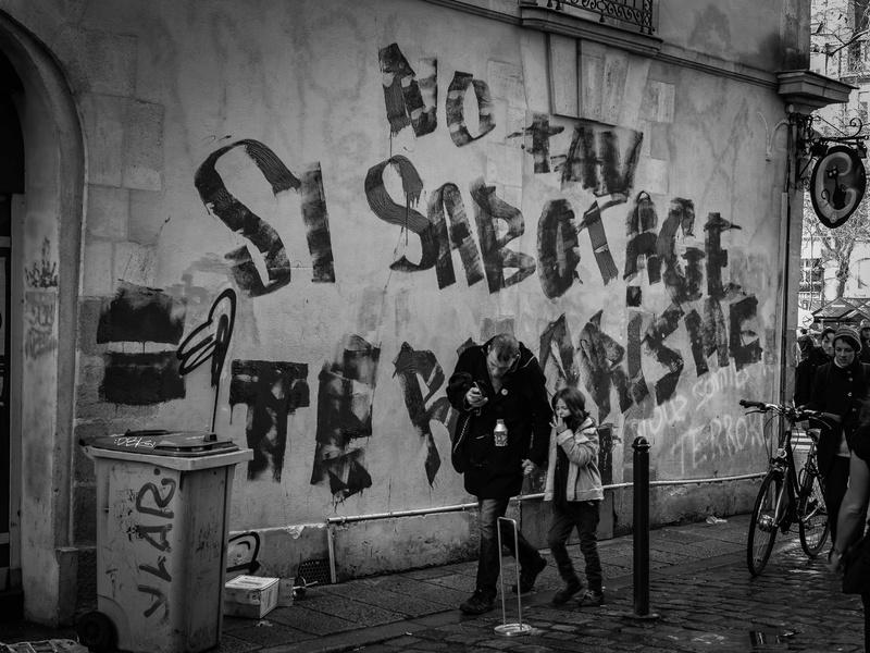 Concours 11/18 : Photos de rue Adrien12