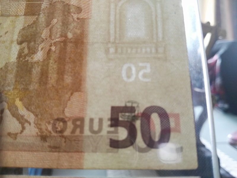 Billete de 50€ con marca de agua diferente. Img_2010