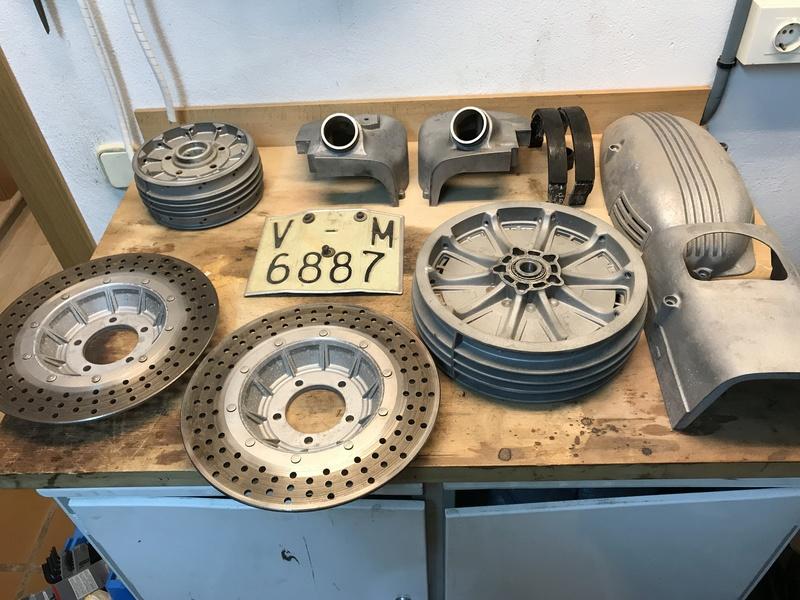 **VENDIDA**  BMW R90/6 en proceso de restauración Img_7212