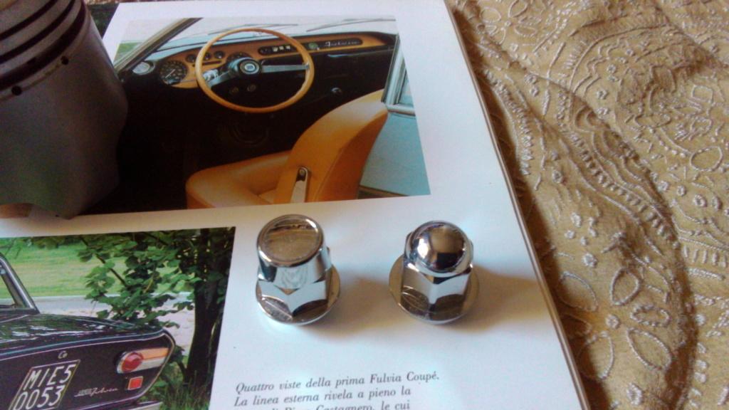 €12/pezzo singolo - Dadi ciechi pe ruote 1 serie per cerchi in lega Campagnolo in ottone P_201920