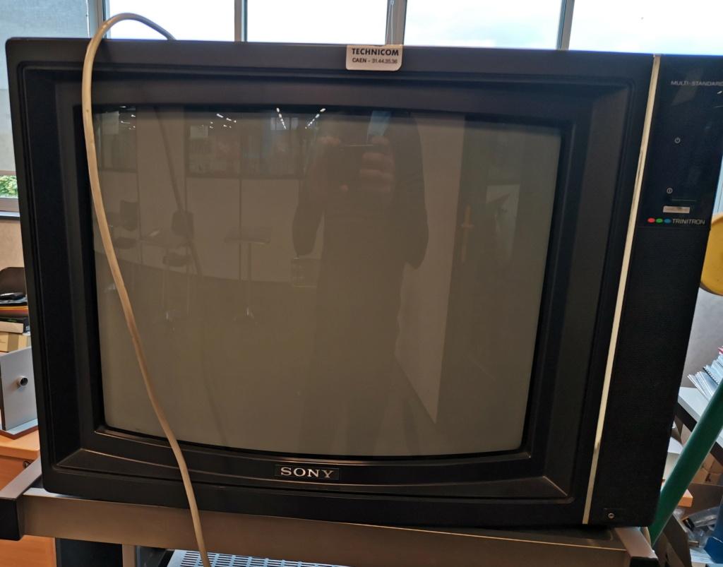 [Don] Sony Trinitron abandonnée, qu'en pensez vous ?  Img_2146