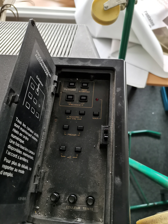 [Don] Sony Trinitron abandonnée, qu'en pensez vous ?  Img_2147