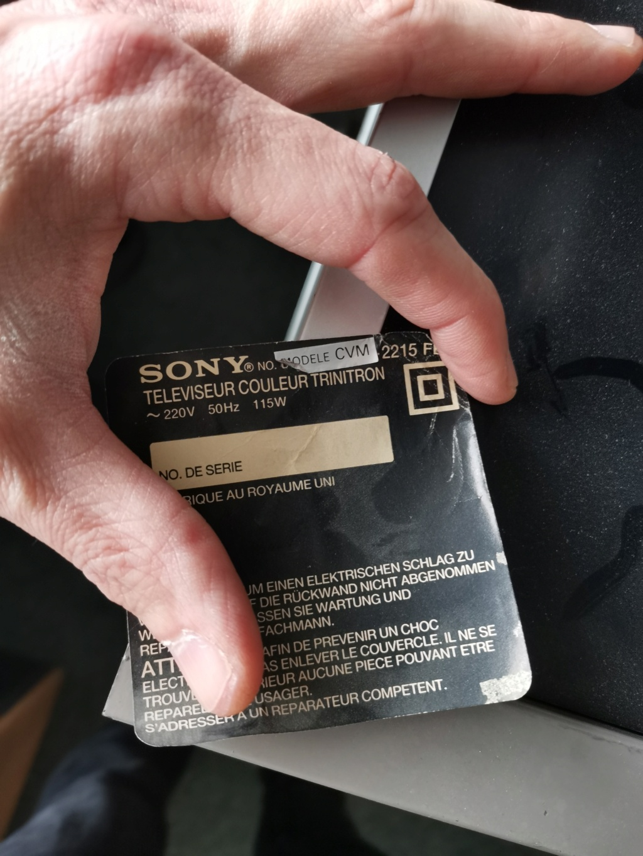 [Don] Sony Trinitron abandonnée, qu'en pensez vous ?  Img_2148