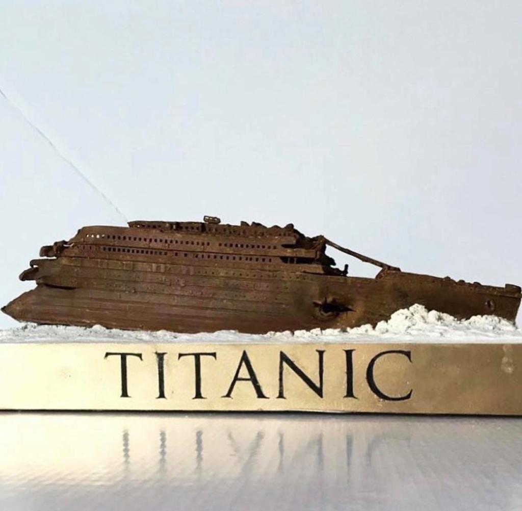 Réalisation de l'épave du Titanic au 1/700. 74836810