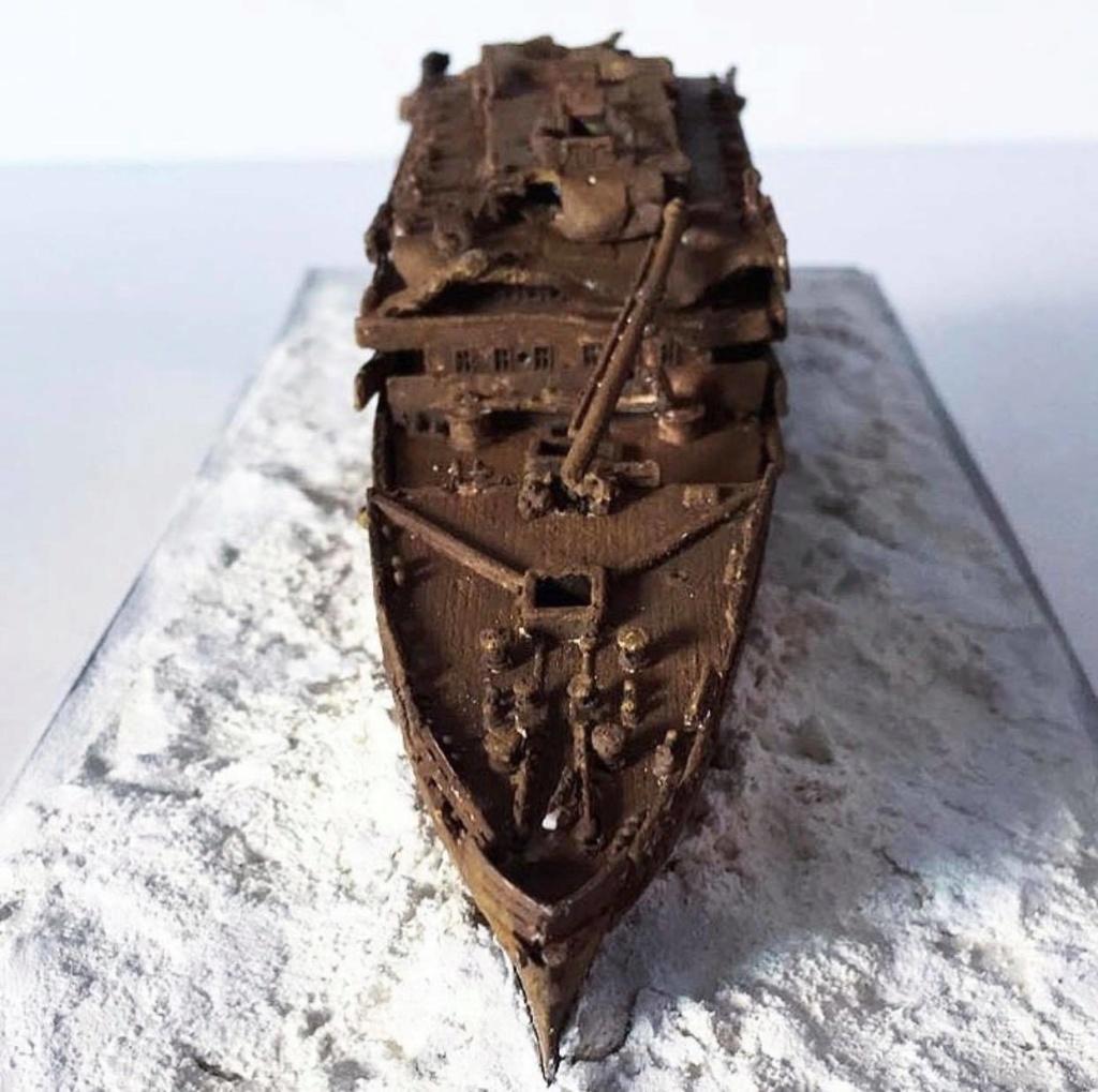 Réalisation de l'épave du Titanic au 1/700. 76675310