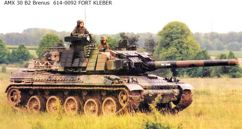 [Heller + scratch] AMX 30 Brennus au 1/72 614-0010