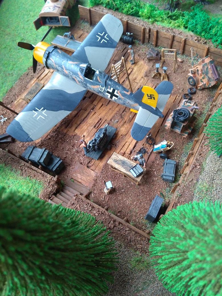 Atelier de campagne Luftwaffe au 1/72 ème Img_1327