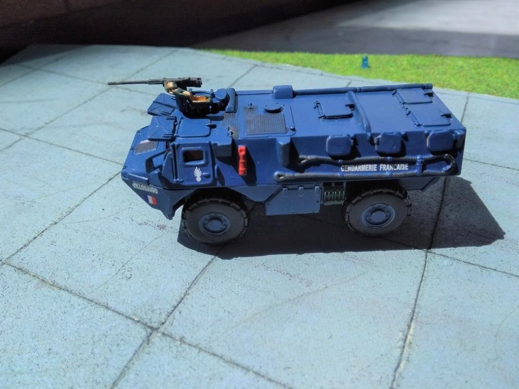 [Heller] VAB Gendarmerie 1/72 Img_1602