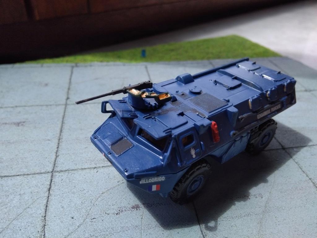 [Heller] VAB Gendarmerie 1/72 Img_1606