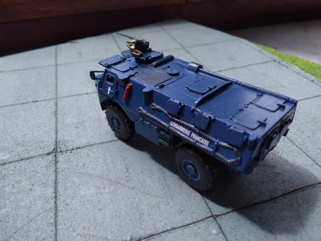 [Heller] VAB Gendarmerie 1/72 Img_1607