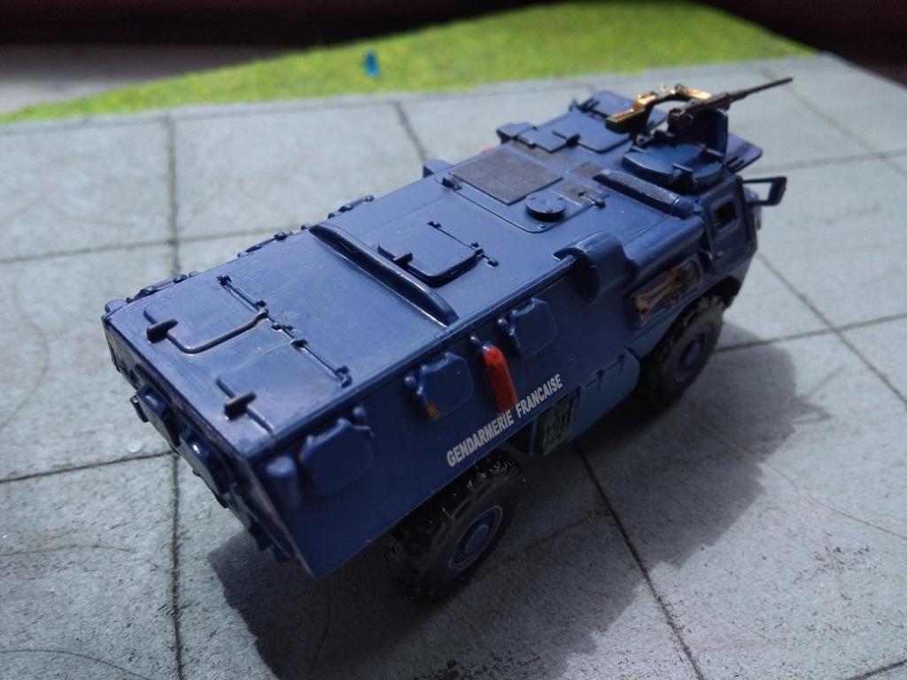 [Heller] VAB Gendarmerie 1/72 Img_1608