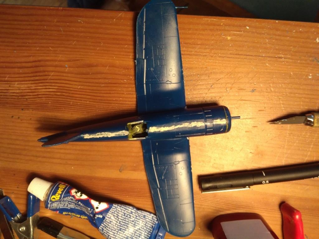 [Italeri] Corsair F4u-7 Aeronavale (FINI) Img_2722