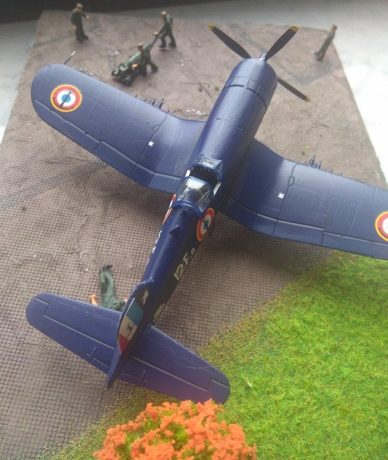 [Italeri] Corsair F4u-7 Aeronavale (FINI) Img_2730