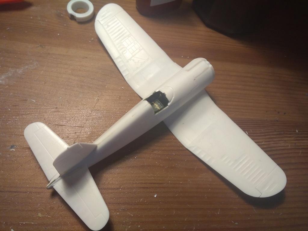 [Revell] Corsair Salvador (FINI) Img_2746