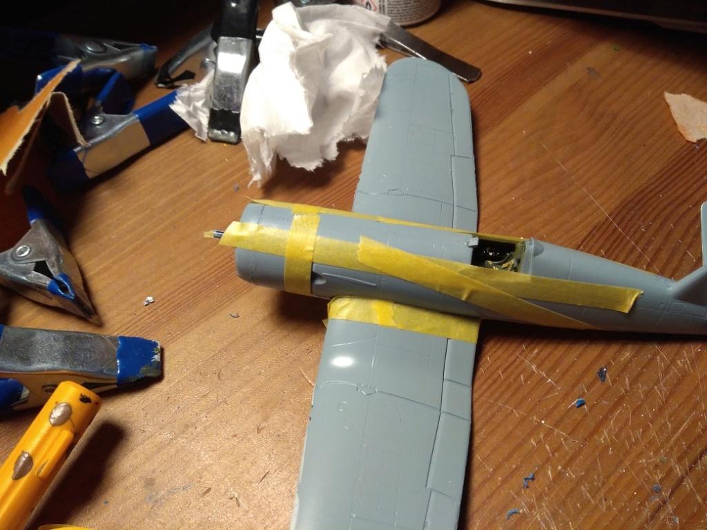 [Italeri] Corsair F4U-5 Argentin (FINI) Img_2769