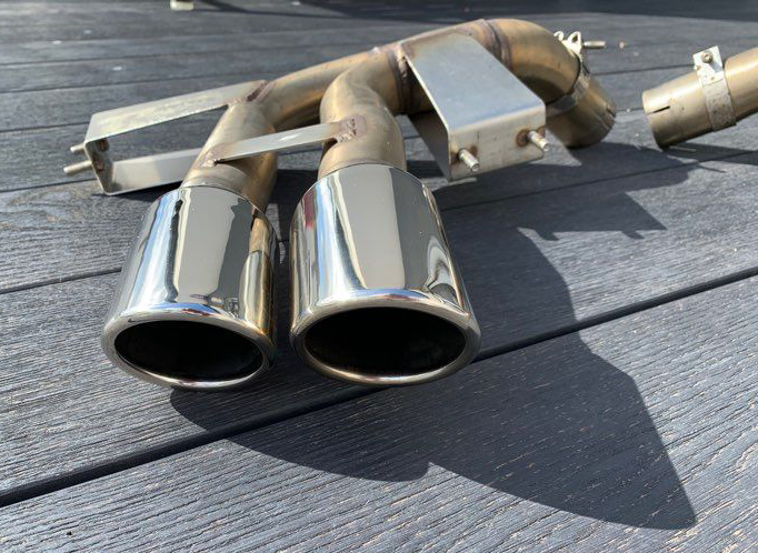 Vends silencieux Inox QuickSilver Super Sport pour 4200 Maserati 211