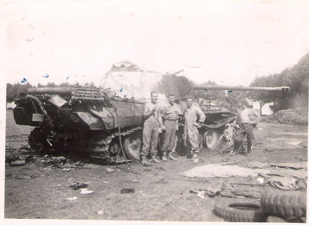 Photos de chars allemands détruits à la bataille de Meximieux le 1/09/1944 012610