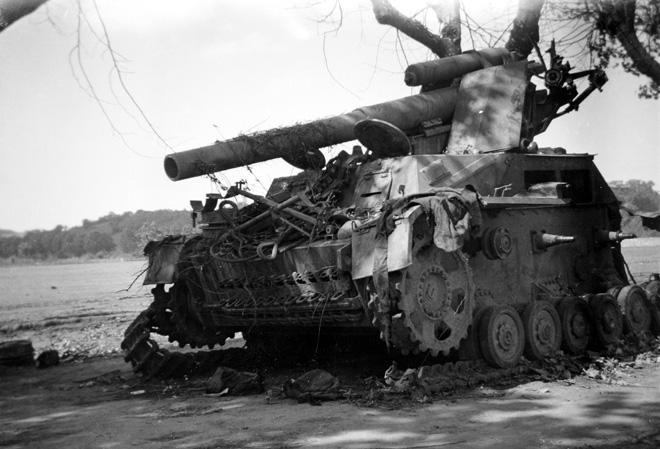 Photos de chars allemands détruits à la bataille de Meximieux le 1/09/1944 Char_e10