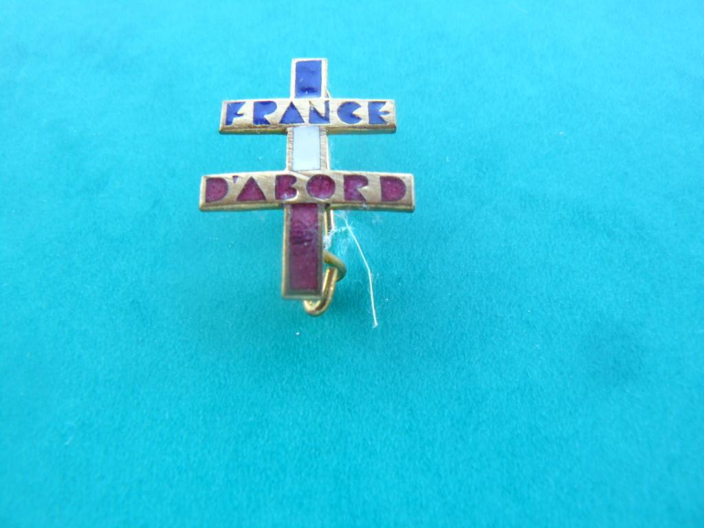 Insigne croix de lorraine France d'abord P1160914