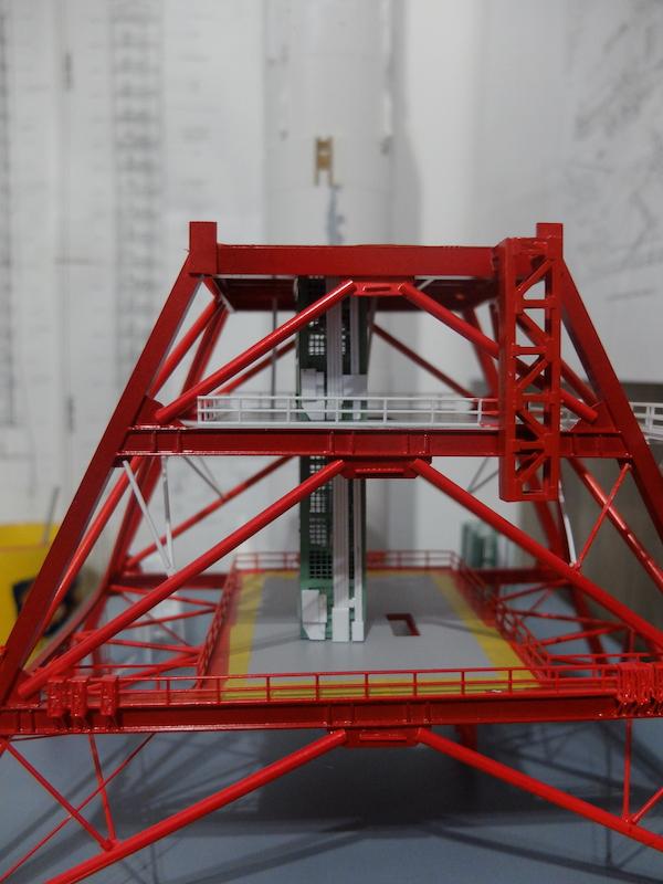 Saturn v+ LUT + Crawler 1/144 Dscf6364
