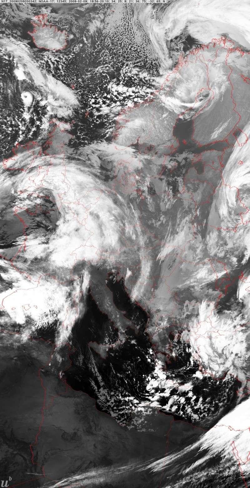 ceci à été vu hier soir le 9/02/2009 durant la tempête N1bcur10