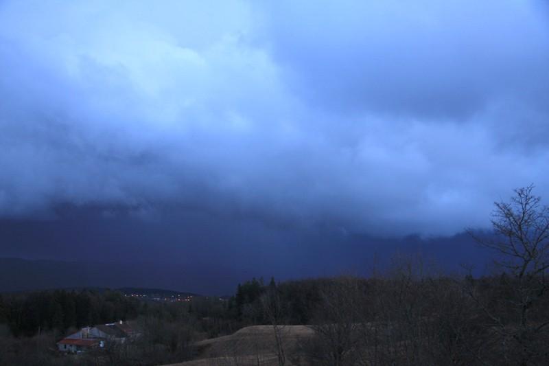 premier orage de l'année Img_2510