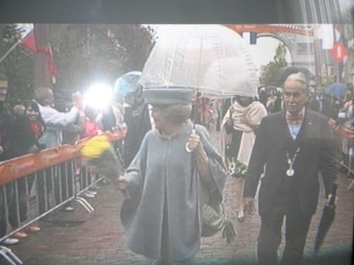 la Hollande fête l'anniversaire de la Reine Beatri11