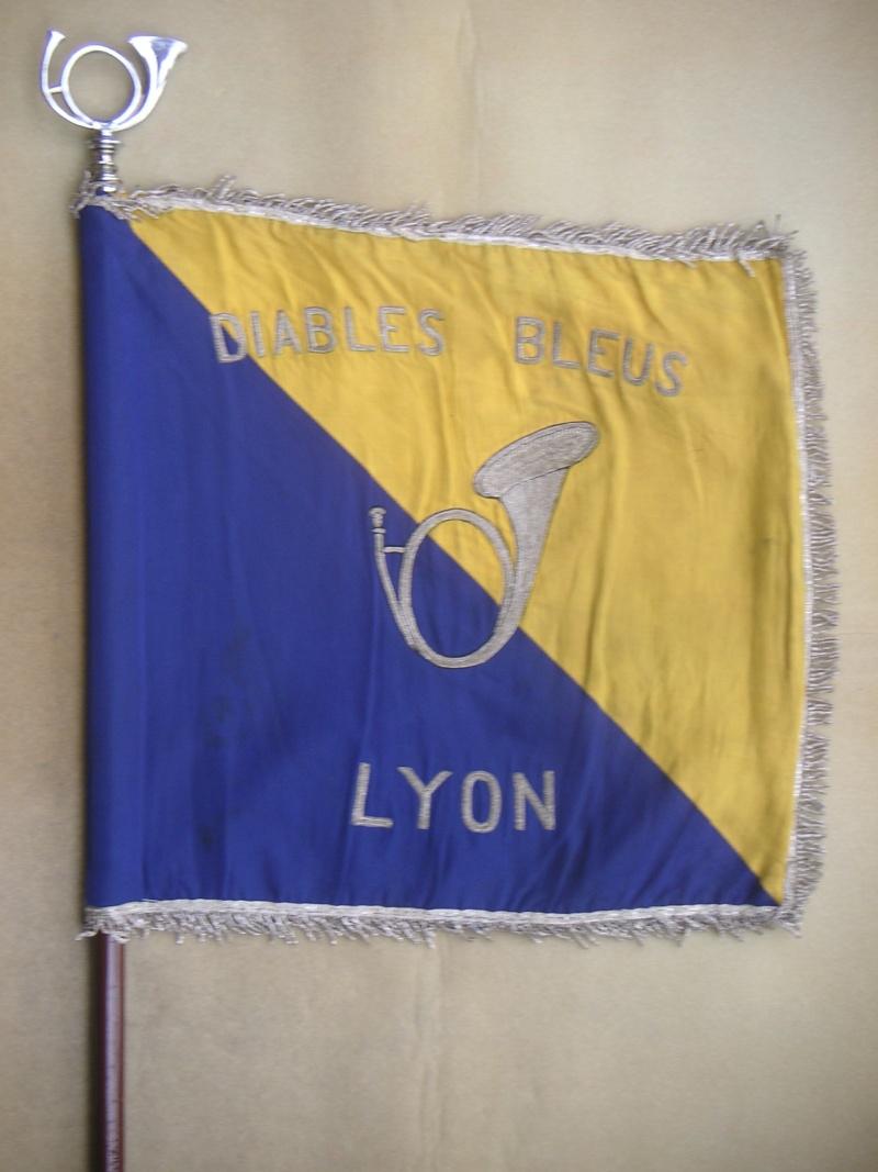 quelques fanions d'Amicales Lyon_r10
