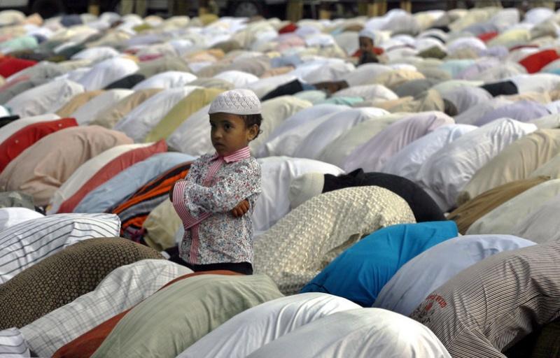 Inhumations des musulmans en France Priere10