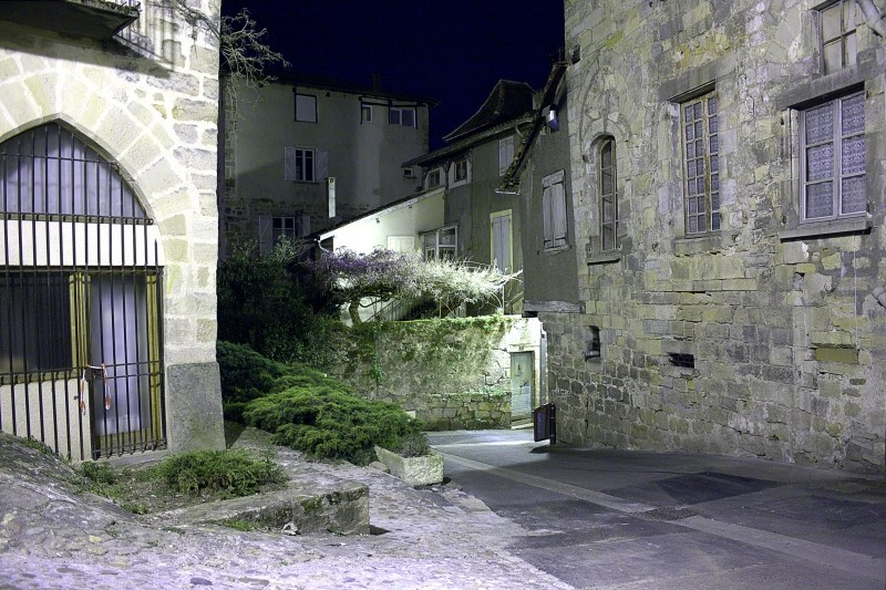 Rues de Figeac de nuit Img_3410