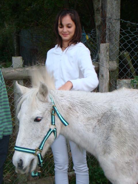 KIWI et CAPUCINE (décédée) - ONC poney présumées nées en 1990 - adoptées en octobre 2008 par caro38 - Page 2 Dsc09514
