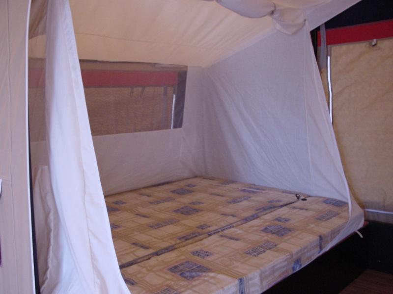 Exposition tentes et pliantes chez latour Galleo13