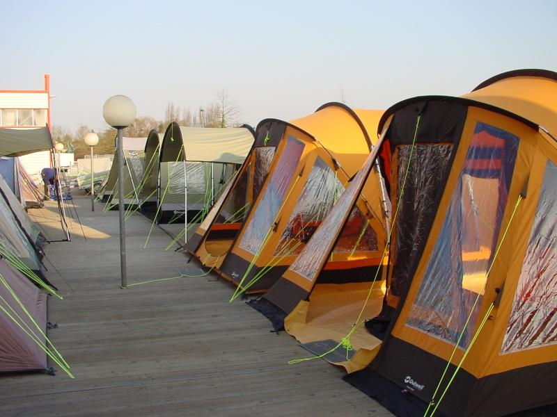 Exposition tentes et pliantes chez latour Latour10