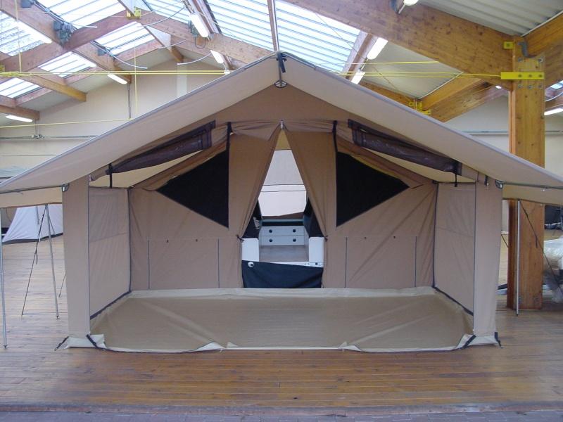 Exposition tentes et pliantes chez latour Lodge110