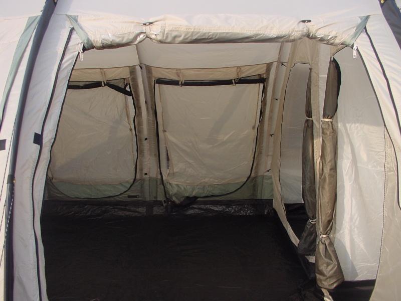 Exposition tentes et pliantes chez latour Marech11