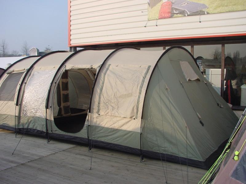Exposition tentes et pliantes chez latour Marech12