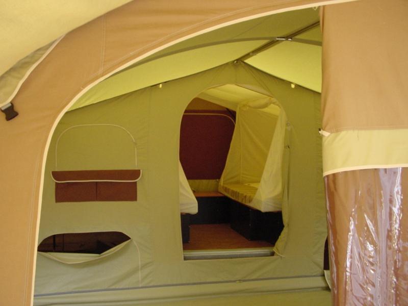 Exposition tentes et pliantes chez latour Safari11