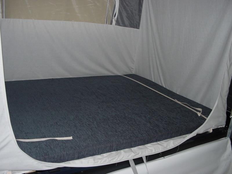 Exposition tentes et pliantes chez latour Solena10
