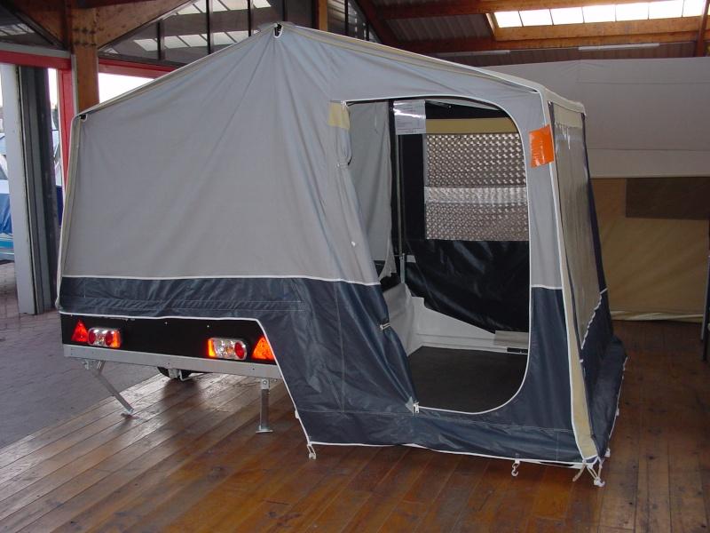 Exposition tentes et pliantes chez latour Solena11