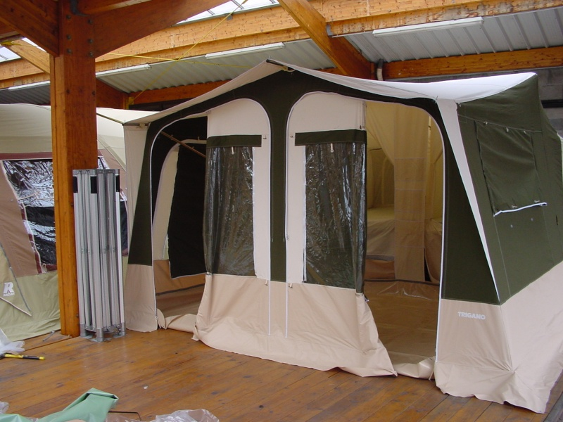 Exposition tentes et pliantes chez latour Trigna10