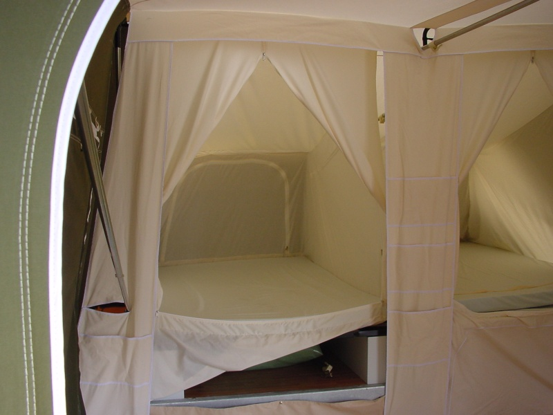 Exposition tentes et pliantes chez latour Trigna11