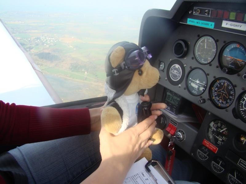 Les vols de la mascotte - Page 4 2010-012
