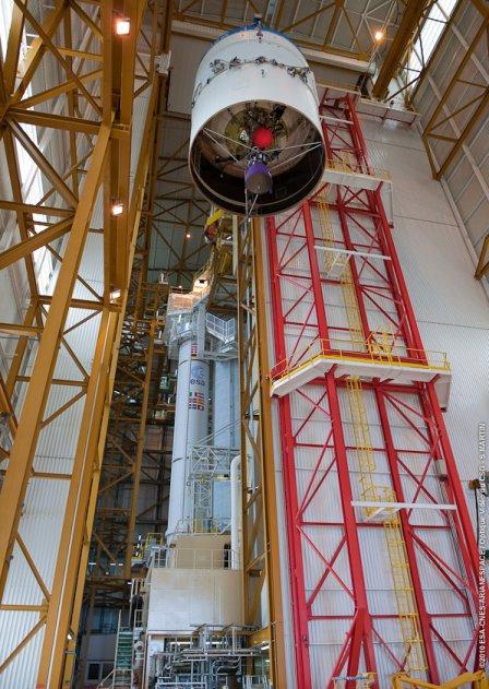 Ariane 5 ECA V195 : Arabsat 5A + COMS 1 (26/06/2010) 674-1-10